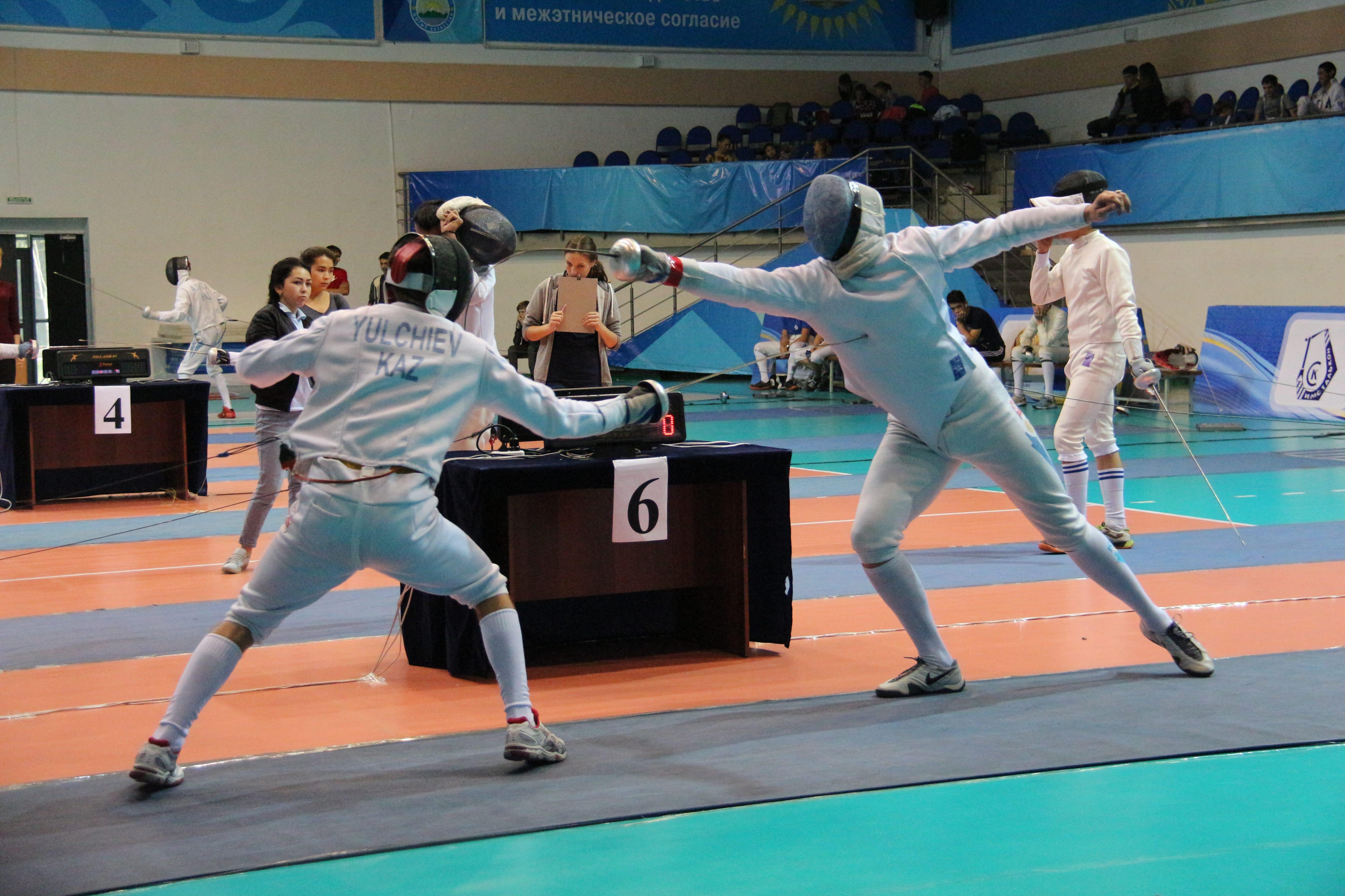 В Усть-Каменогорске стартовал Чемпионат РК по фехтованию