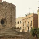 Такое тут сплошь и рядом - старое и новое встречаются, образуя современную Барселону.