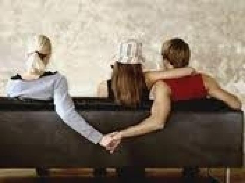 Вот уж да уж... Жены изменяют мужьям не меньше, чем мужья женам!