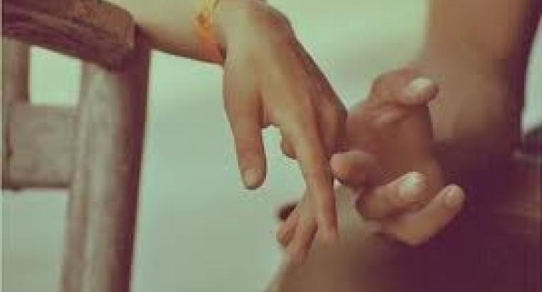 Если парень держит мои руки в своих руках 351