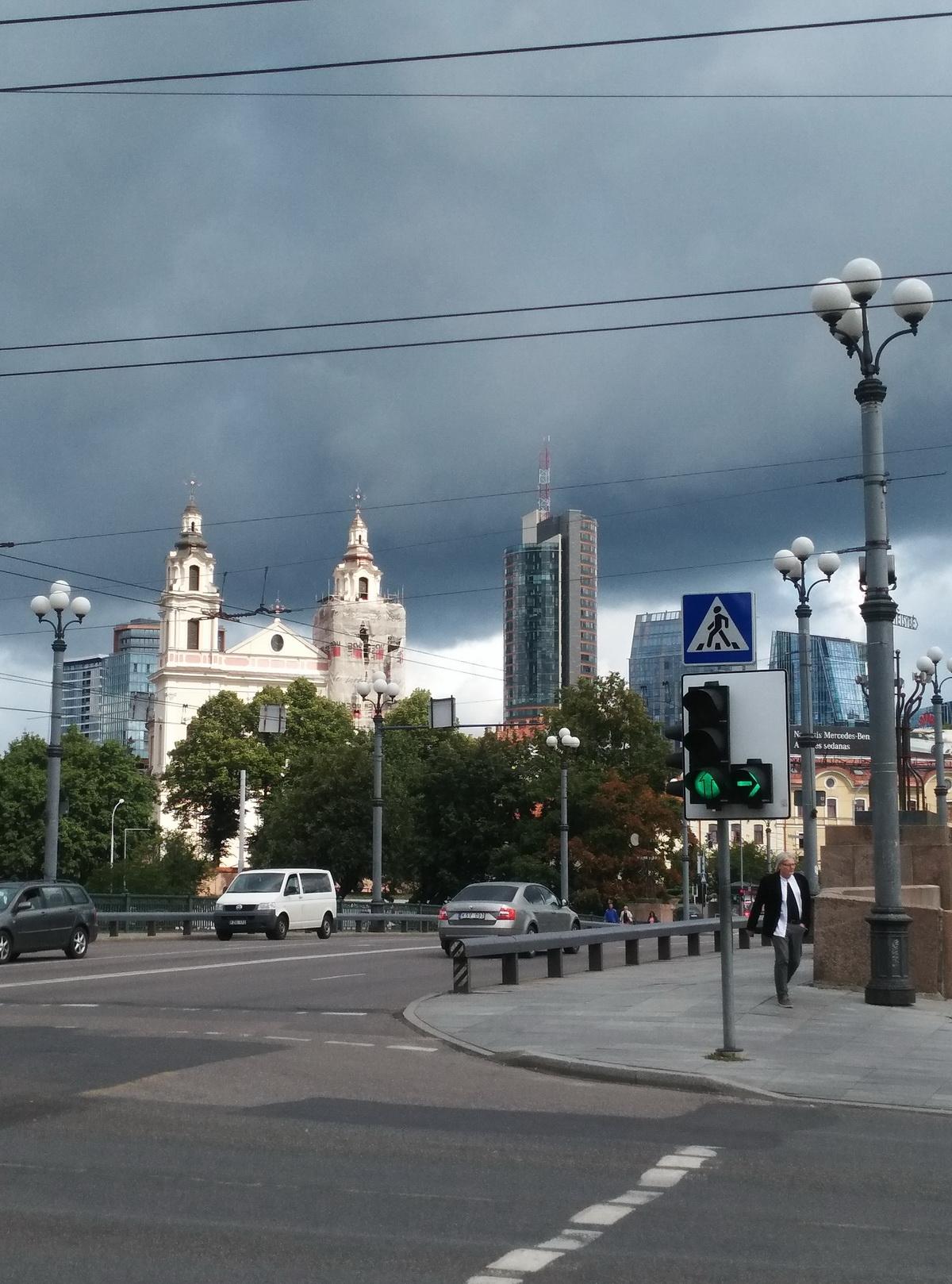 В Вильнюсе небо