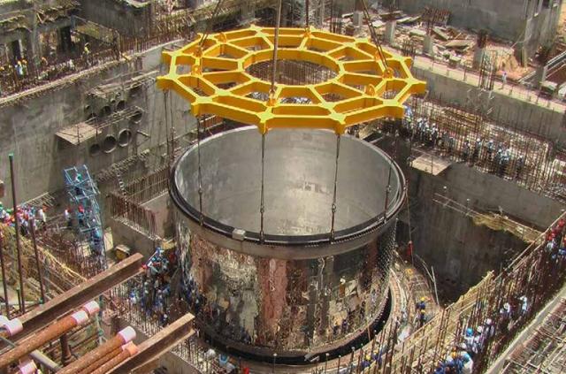 Фукусимские истории #2: Где рванет дальше? Реактор на внешнем источнике нейтронов