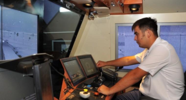 В центре технологий на транспорте началось обучение машинистов тепловозов «Эволюшн»