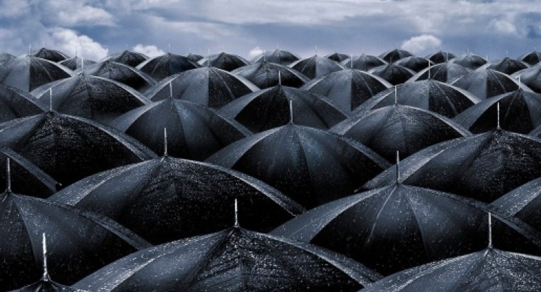 "Хлюпающими шагами под мокрую дробь (рецензия на ""Мокрыми шагами"", Александр Васильев)"