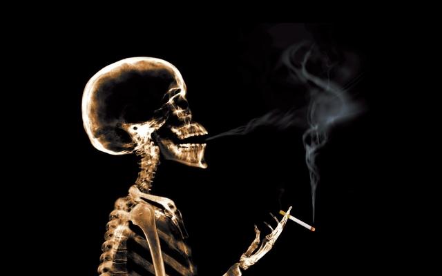 Крепкий алкоголь, крепкий мужчина, крепкие сигареты...